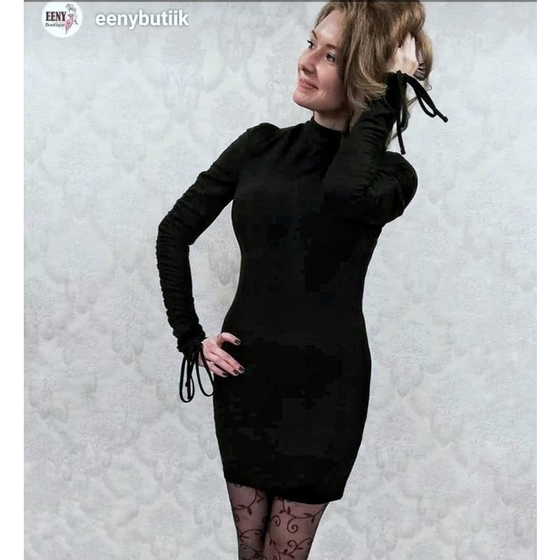 Kleit 5127