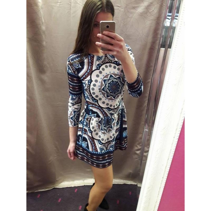 Kleit 5485